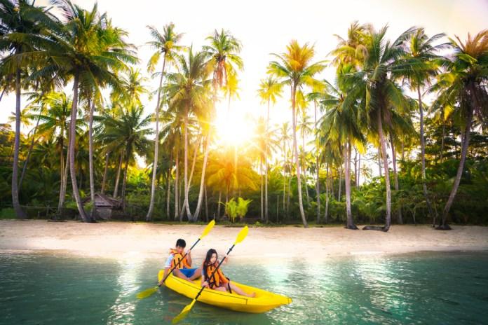 sea kayaking in Koh Samui