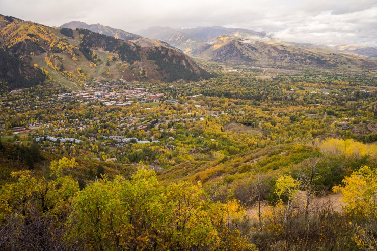 A view overlooking the town of Aspen in the fall.
