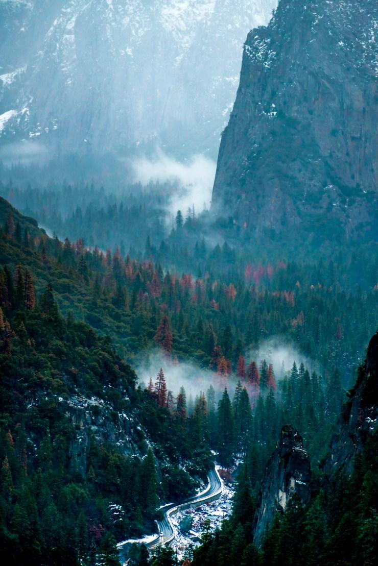 AndyBest_EddieBauer_YosemiteEntrance
