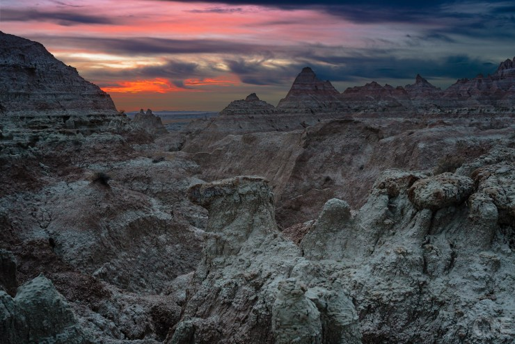 Badlands_SD_sunset