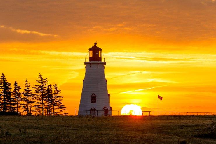barekiwi-lighthouse-panmure-island-pei