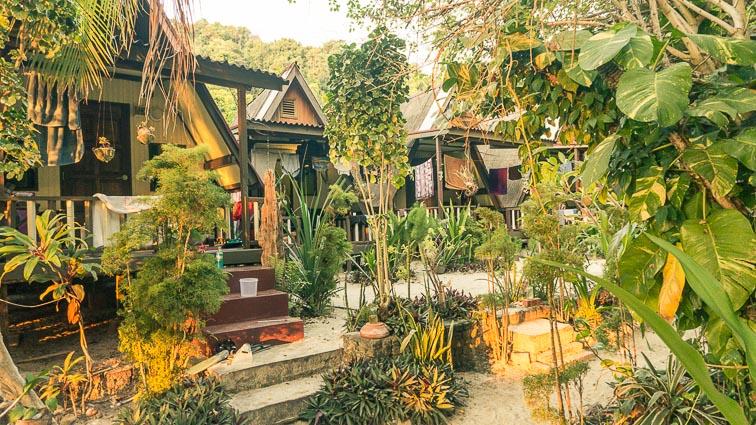 Pulau Kapas. Secret bungalows. Is Malaysia expensive?