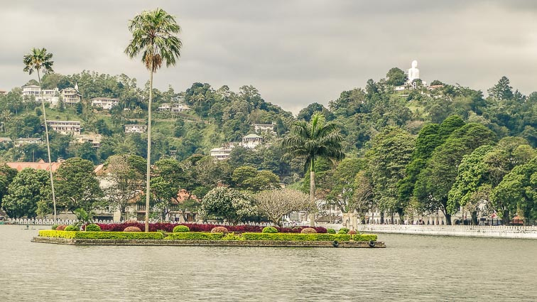 Sri lanka on a budget: Kandy, Sri Lanka