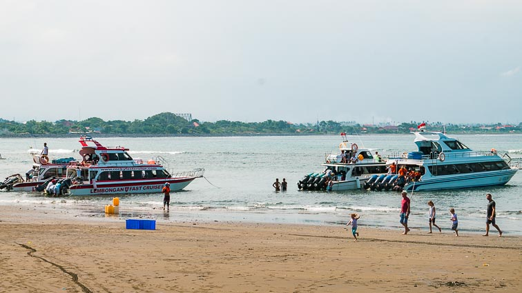 Nusa Lembongan and Nusa Ceningan. Boats to Nusa Lembongan
