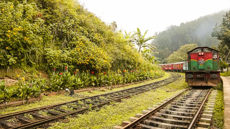 Things to do in Sri Lanka. Amazing train routes