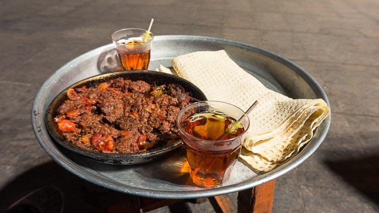 Backkpacking in Iran. Kebab, bread and tea