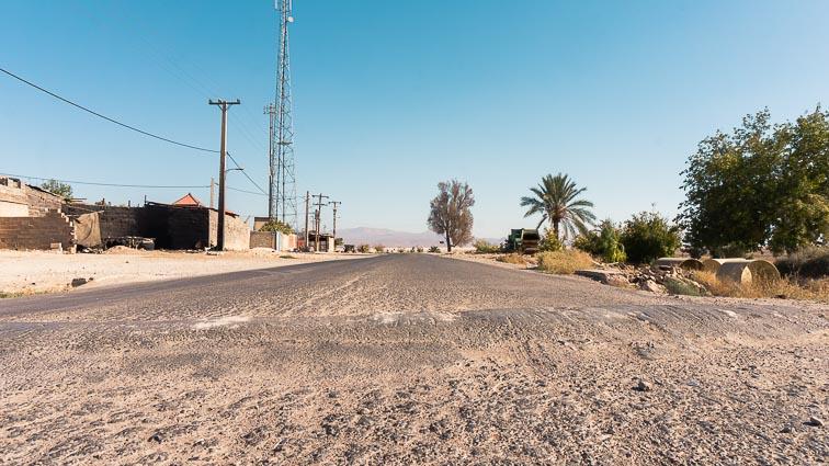 Renting a car in Iran. Car rental Iran. Traffic in Iran. Speed Bumps