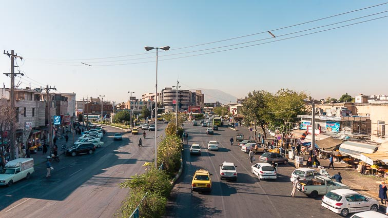 Renting a car in Iran. Car rental Iran. Traffic in Iran.