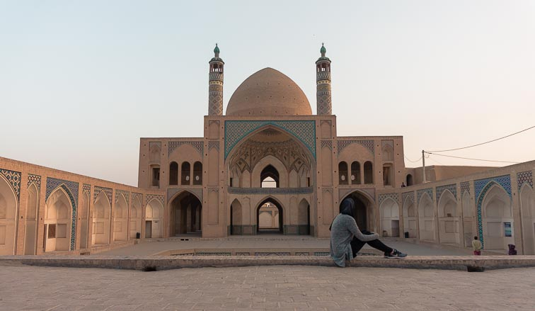 Route Iran. Mosque