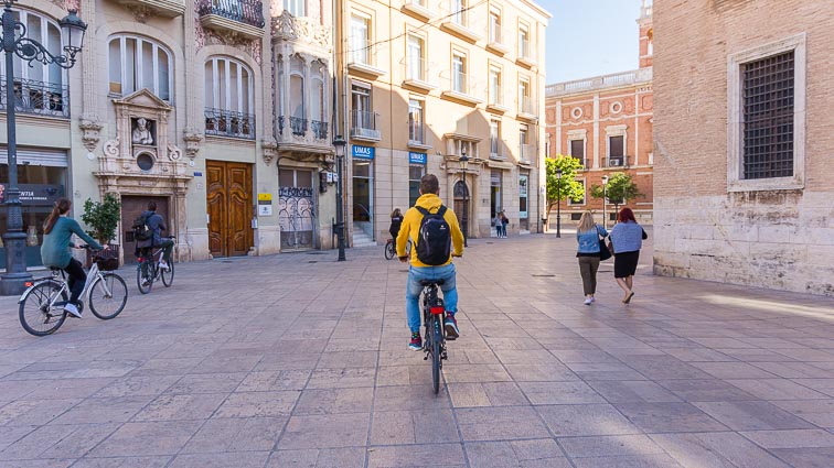 Bicycle tour in Valencia. Visit all sites on a bike on your Spanish city break