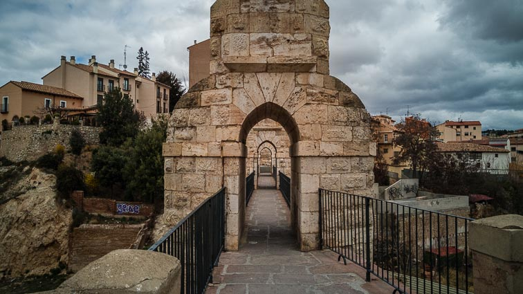 Acueducto de Teruel. Walkway through the aqueduct