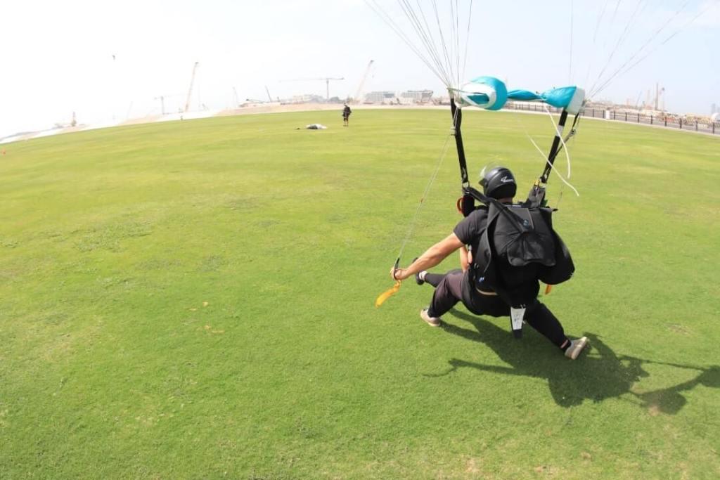 landing, parachute