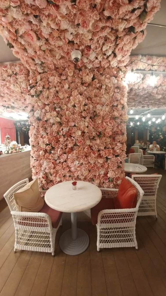 secret garden, cafe, flowers