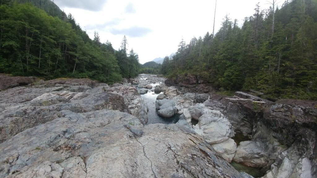 Wally Creek, rocks