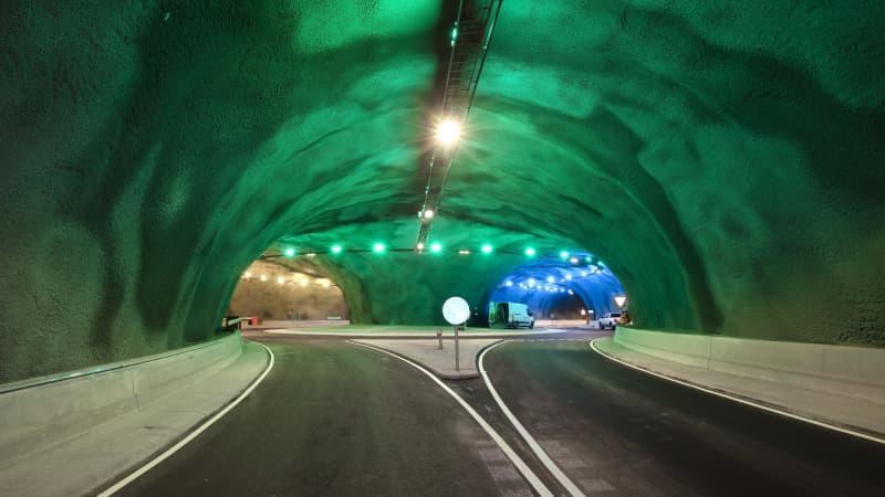 Eysturoyartunnel-roundabout-Faroe-Islands (5)