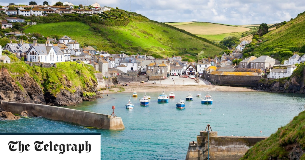 Travel news latest: Britain's hotspots almost fully booked amid staycation boom