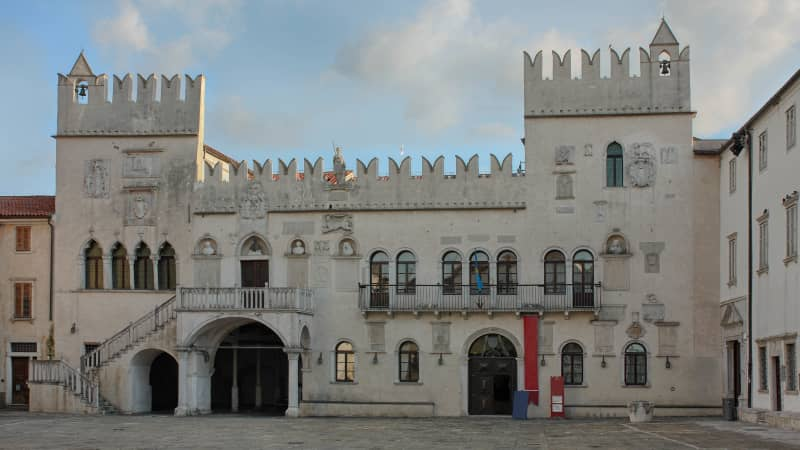 The Praetorian Palace was inspired by the Doge's Palace.