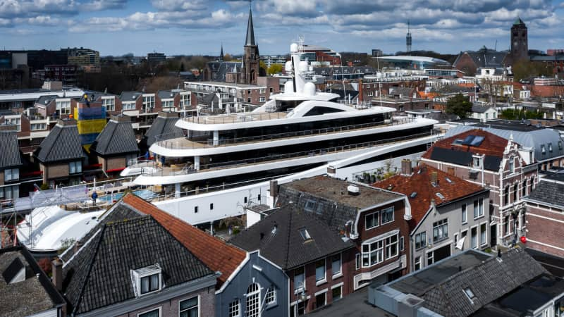 All of the vessels from Feadship's Kaag yard must take this narrow route in order to reach the sea.