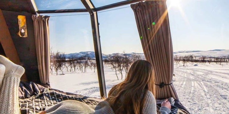 spend time in a luxury igloo at North Pole