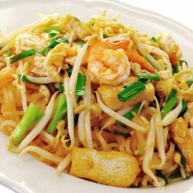 Pad Thai (Thai-Styled Fried Noodles)