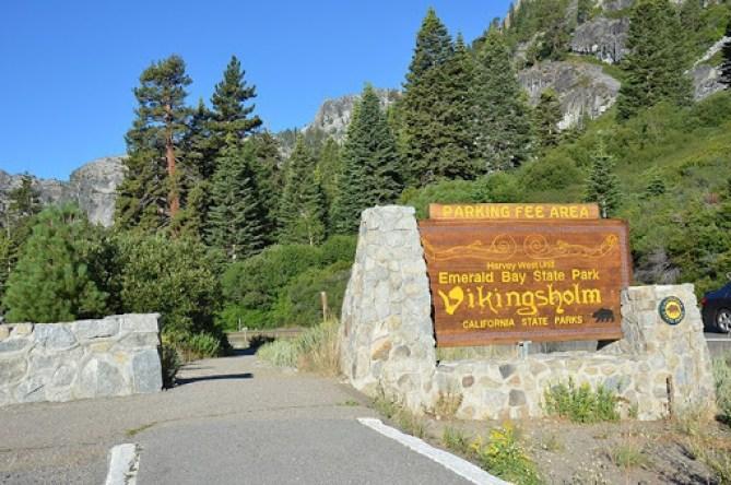 Emerald Bay in Lake Tahoe Vikingsholm trail