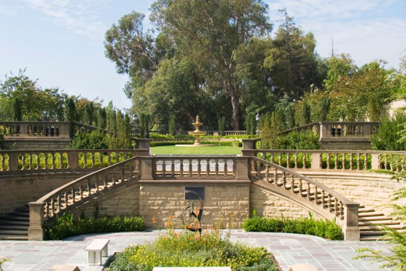 Tour in Beverly Hills Mansions, California