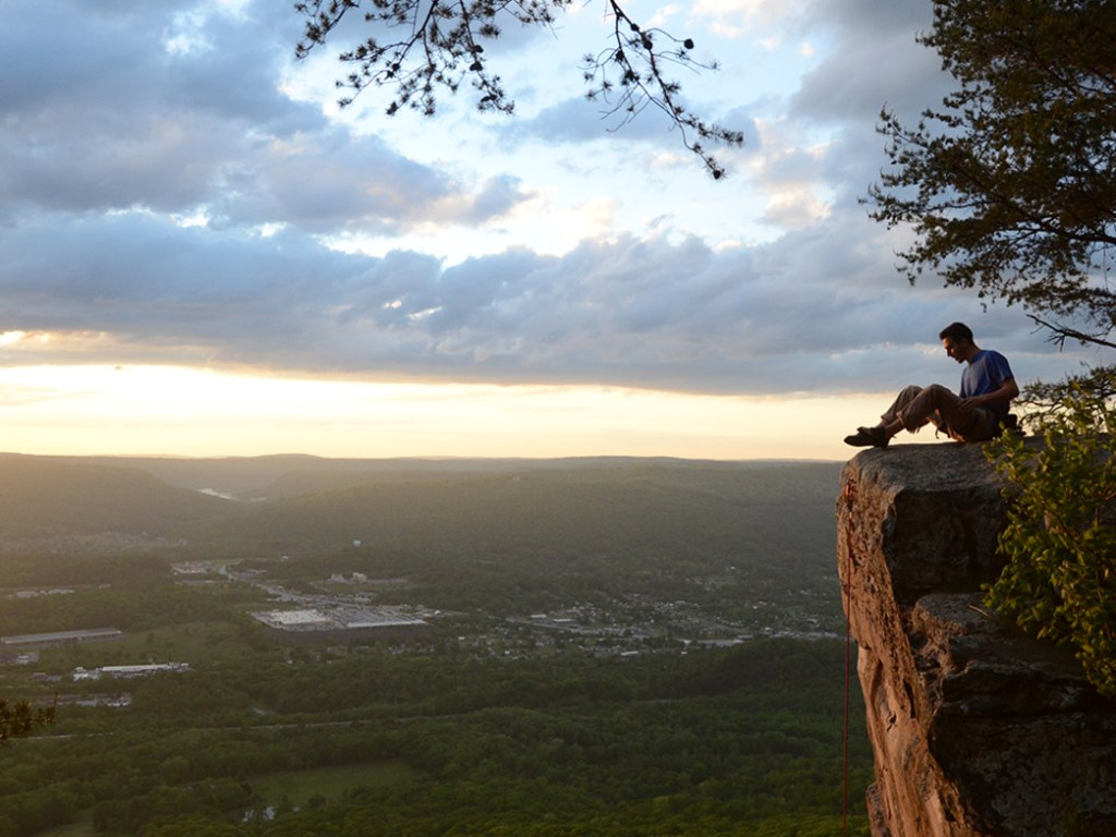 Best things to do in Chattanooga Hike Sunset Rock with Kids