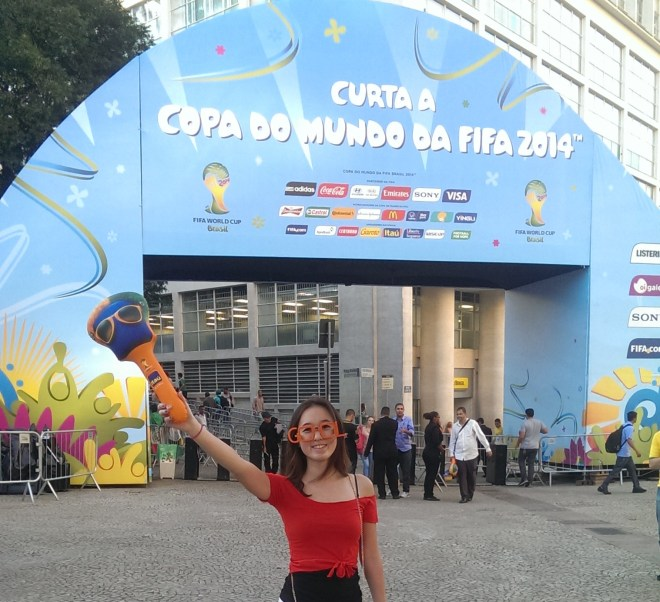 At the Anhangabau fan fest in Sao Paulo, equipped with freebies from Banco Itau!