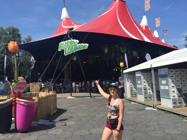 Tomorrowland Festival Review - Pussy Lounge Madness