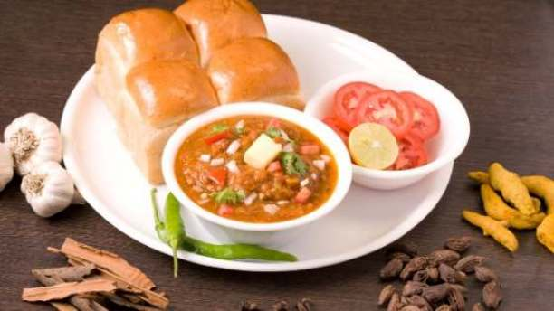 Pao Bhaji | 7 Vegetarian Indian Dishes