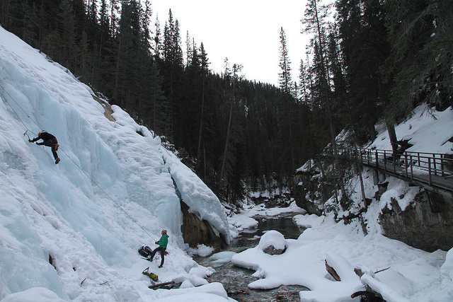 Ice Climbing Johnston Canyon