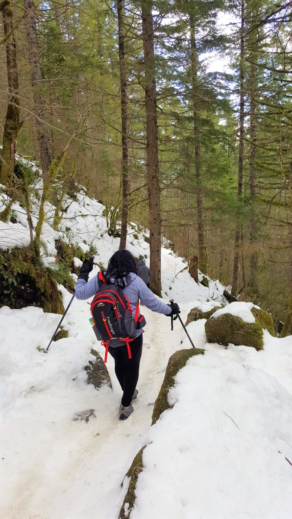 Snow Hiking to Rattlesnake Ledge