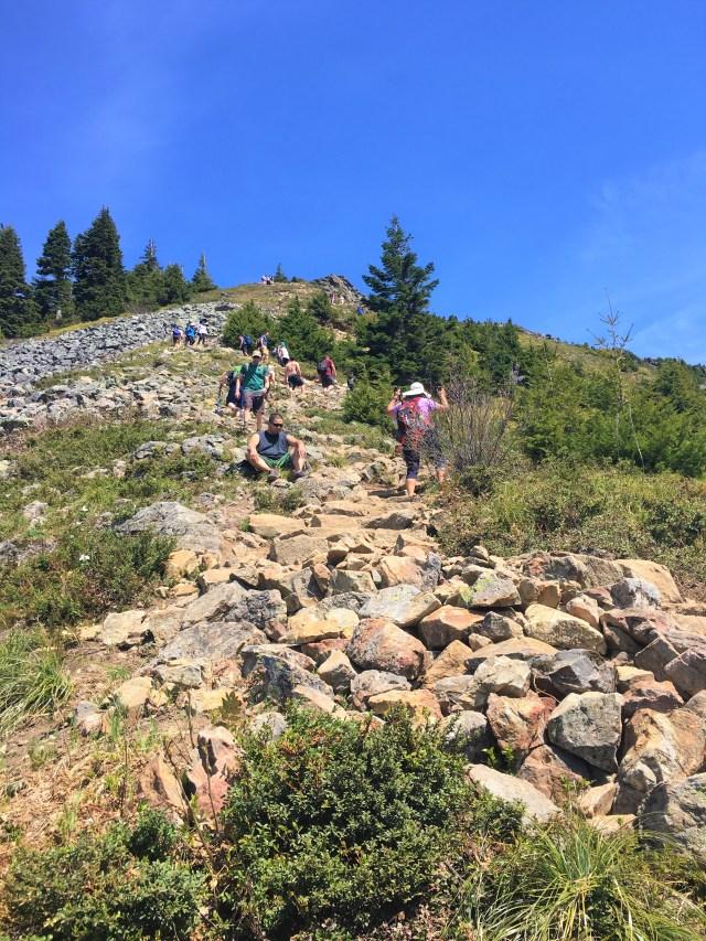 Last short steep hill ascend to Mail box peak