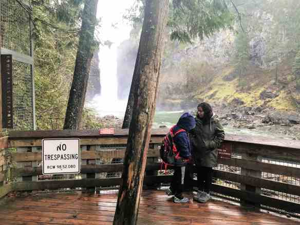 Snoqualmie Falls - Lower Falls Viewpoint Best Hikes near Seattle