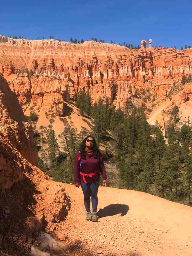 Can you see the Hoodoos World Behind Me. Best Hikes in Bryce Canyon National Park