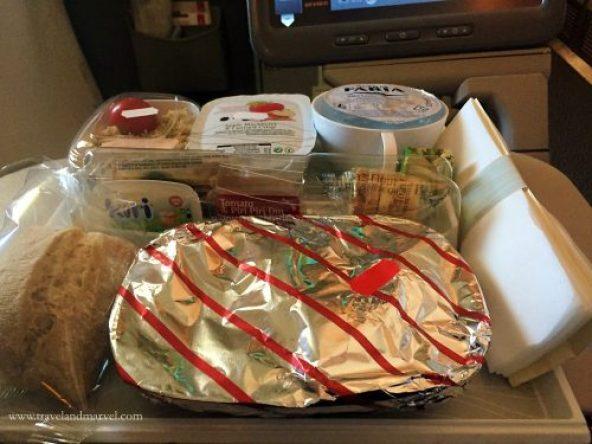 Come si mangia in aereo Economy