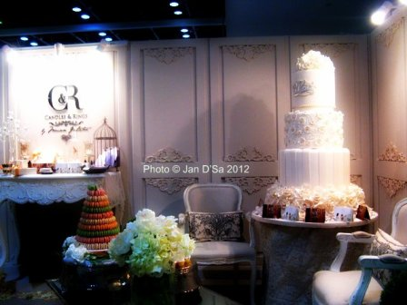 Wedding cake as part of the whole interior decor