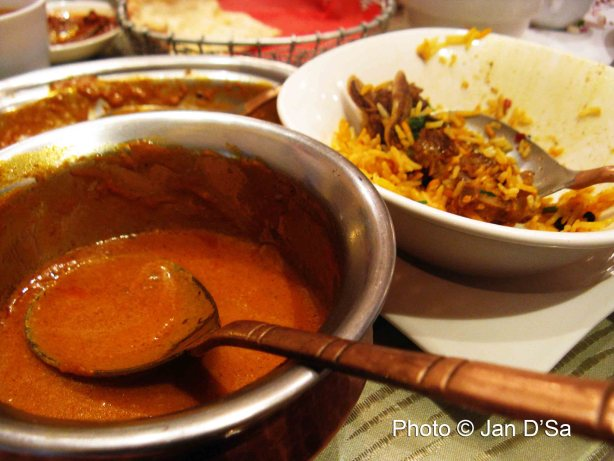 Chicken curry and the oh-so-amazing Mutton Biryani!