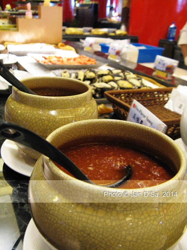 Sauces to go with the oysters and prawns