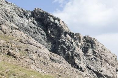 Skały w okolicach szczytu