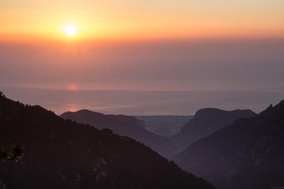 Wschód Słońca - Spilios Agapitos