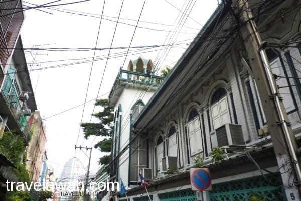 Ban Oou Mosque termasuk yang lokasinya mudah untuk dicari di kota Bangkok