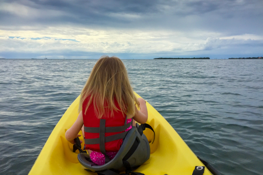 Belice con los niños - Kayaking en el Turtle Inn