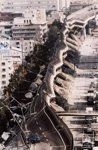 Autostrada Hanshin Expressway, doborâtă de cutremurul din 1995