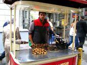 Vanzător de castane în Taksim