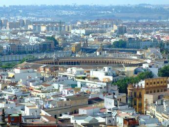 El Giralda văzută de pe Torre del Oro