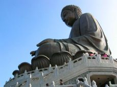 Giant Buddha pe Lantau Island