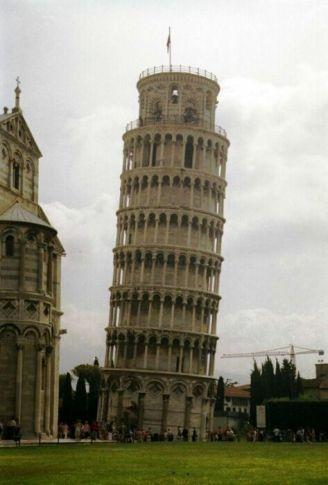 Turnul înclinat din Pisa, Italia