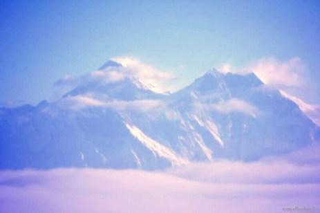 În stânga - Everest 8848m, cel mai înalt punct al planetei. În dreapta - Lhotse 8516m, al patrulea ca înălţime.