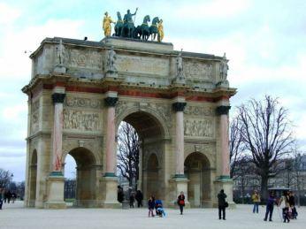 Arc de Carousel, fratele mai mic al celui de Triumf